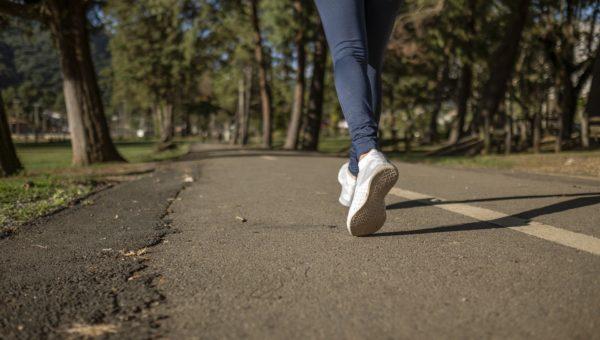 Courir fait vraiment maigrir : levons les mythes qui tournent autour de cette pratique